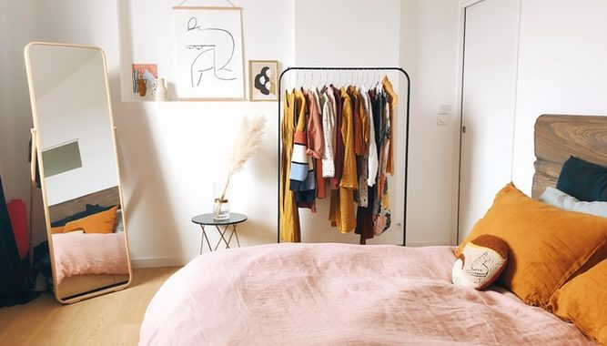 How to: Decorate a Small Bedroom | Design Tips & Tricks ...